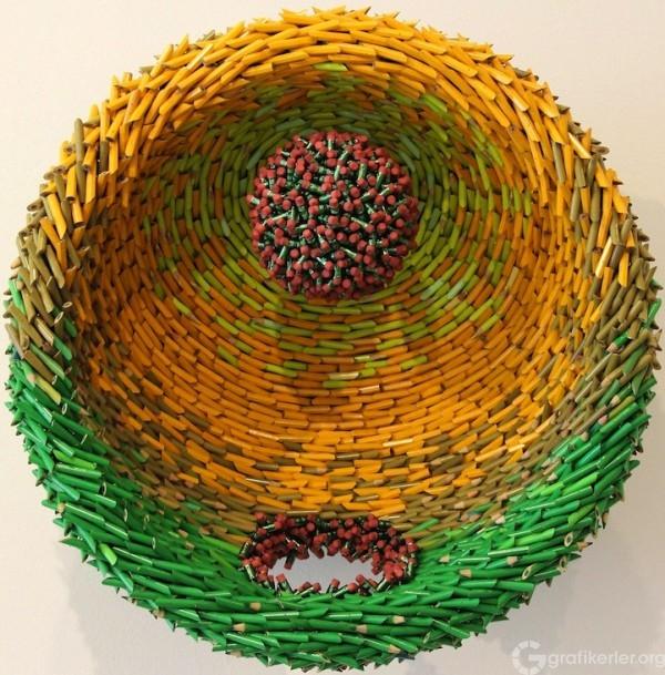 Federico-Uribe-Pencil-Sculptures-1-600x609