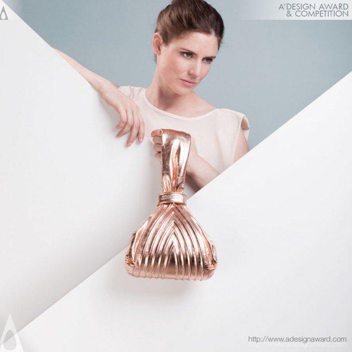 Tango Pouch by Anne-Christin Schmitt